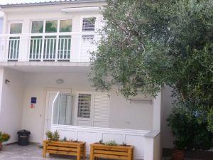 Apartmani -848