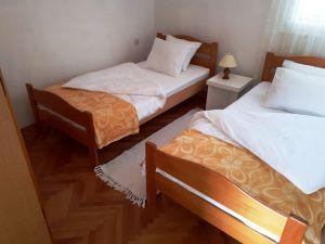 Dom  Anica-3638