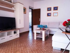 Dom  Anica-3649